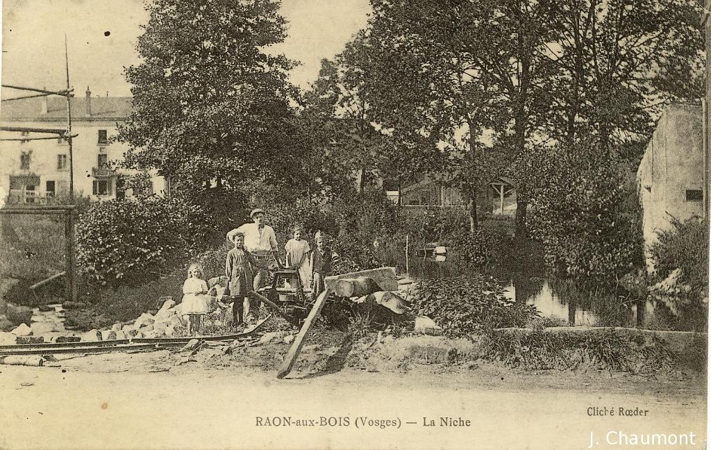 Raon aux bois raon aux bois la niche - La biche aux bois yerres ...