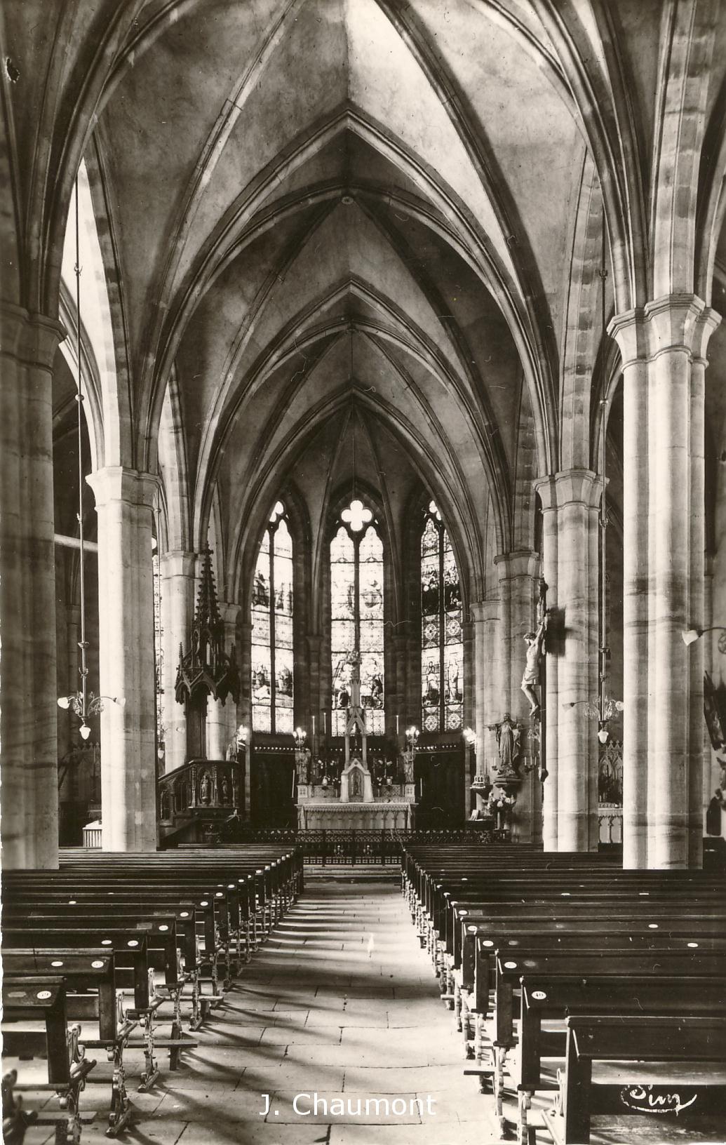 Intérieur de l'Eglise dans les années 1950
